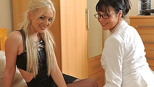 Sinless blonde sweetheart doing a wicked older lesbo