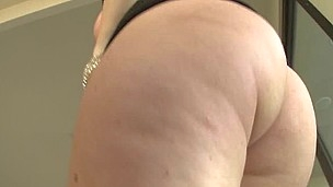 Jena gives a messy moist bj and then gets rewarded with some 69 action.
